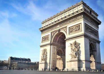 ประตูชัยนโปเลียน สัญลักษณ์แห่งชัยชนะของฝรั่งเศส